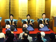 写真左:鶴澤寛也さん、写真中:鶴澤駒治さん、写真右:鶴澤賀寿さん