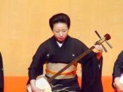 大和楽「お祭り」〜三味線:大和櫻笙(第14回受賞/写真中央)