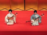 「出口の柳」三弦本手:藤井昭子(右)、三弦替手:安藤啓子(左)
