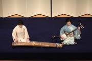 「松風」三弦:藤井昭子(右)、箏:渡辺明子(左)