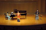 ピアノ:原なぎさ 歌:青山恵子 尺八:高橋法聖