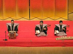 豊竹呂勢大夫(浄瑠璃)、鶴澤藤蔵(三味線)、鶴澤寛太郎(琴・ツレ)